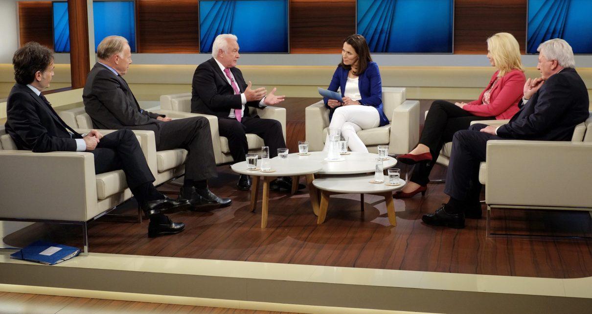 Die Talkrunde bei Anne Will zum Thema 'Kraftprobe in NRW - Weichenstellung für den Bund?'. Bild: NDR/Wolfgang Borrs
