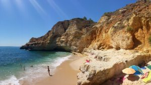 Strandabschnitt an der Algarve. Foto: Eva Winterberg