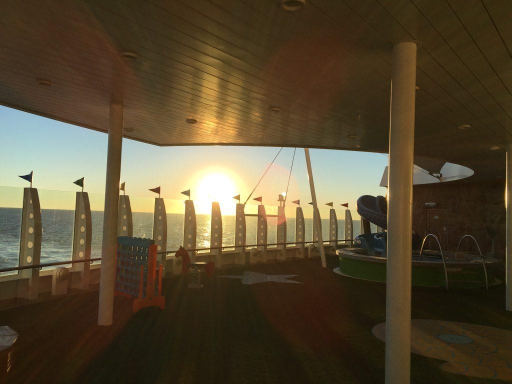 Der Außenbereich des Kids Clubs ganz hinten am Schiff. Foto: Nina Feldkamp