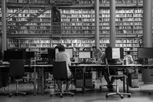 Das Studium an einer deutschen Hochschule kann für ausländische Studierende teuer werden. NRW führt zusätzlich die Studiengebüh-ren für Nicht-EU Bürger ein. Foto: Pixabay