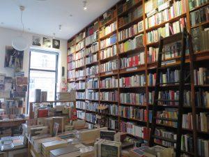 Bücher, so weit das Auge reicht