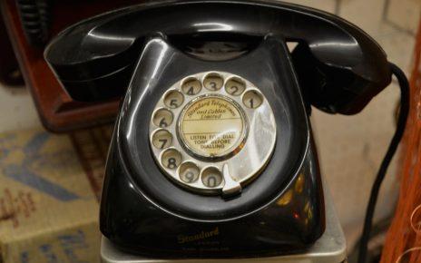 telephone-1181809_1920
